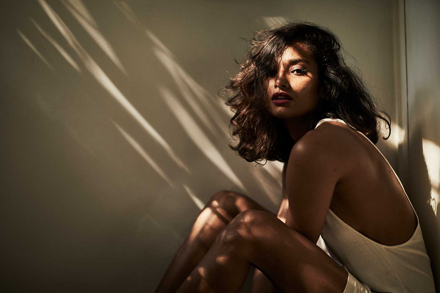 currentMood interviews model nidhi sunil for no filter and talks about colourism in india. skin colour, dark skin discrimination, dark is beautiful