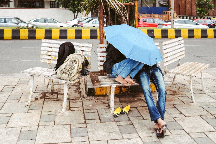 Street photographer, Kaushal Parikh captures love in maximum city, as seen on currentMood magazine