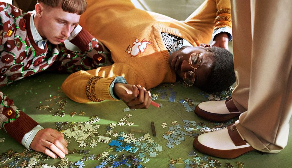 "cMLoves: Gucci Fall Winter 18 Campaign: The ""Gucci Collectors"" have been photographed by Glen Luchford : Fashion, Photography, Lifestyle, currentmood, currentmoodmagazine, fashion magazine, online fashion magazine, fashion magazine in India, Indian fashion magazine"